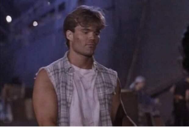 """Кадр из фильма """"Бой до смерти"""", 1994 год"""
