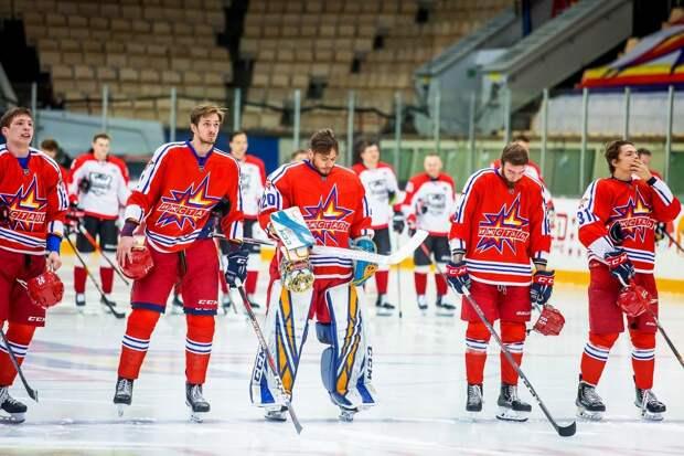 Хоккейный клуб «Ижсталь» проиграл «Нефтянику» со счетом 1:3