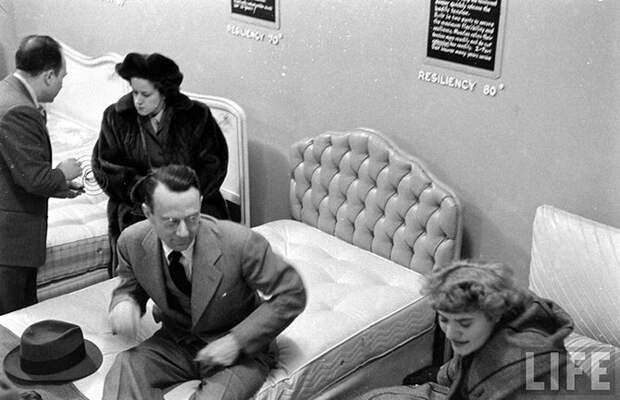Как испытывали кровати в 1948 году