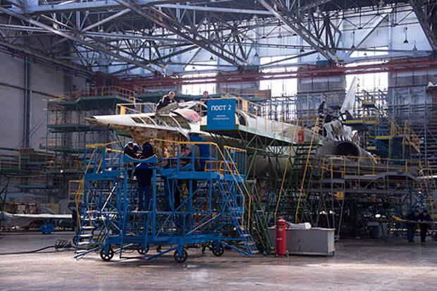 «Вы мне три года обещаете»: Путина заверили, что до конца года КАЗ покажет первый Ту-160М