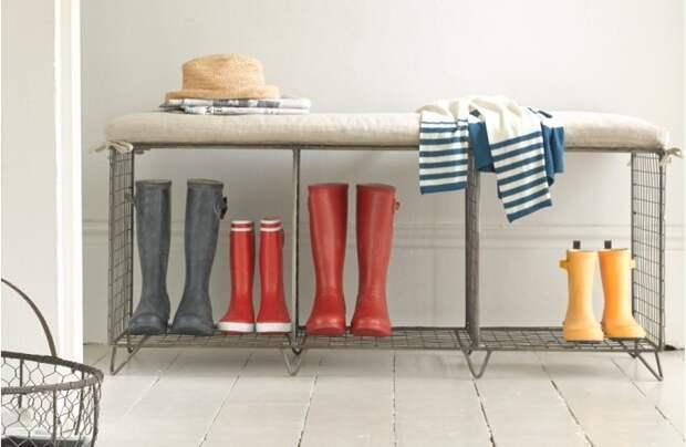 На стеллаже с решетками обувь высыхает быстрее / Фото: trustload.com