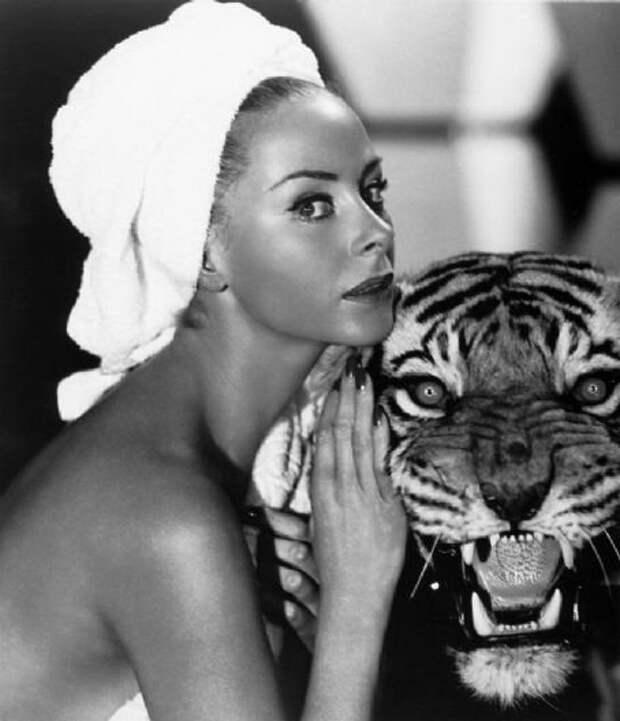 Винтажные фотографии прелестной французской актрисы Женевьев Паж