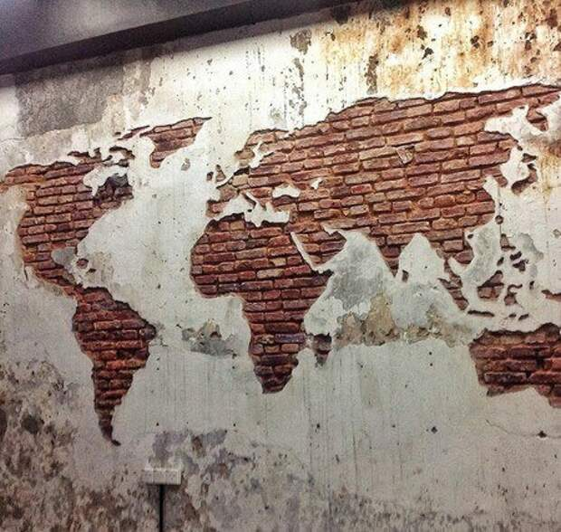 Карта мира... В старом гараже