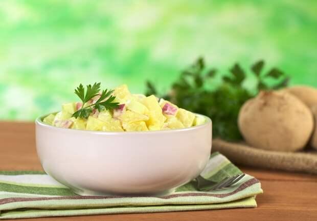 салат с картошкой и яйцами