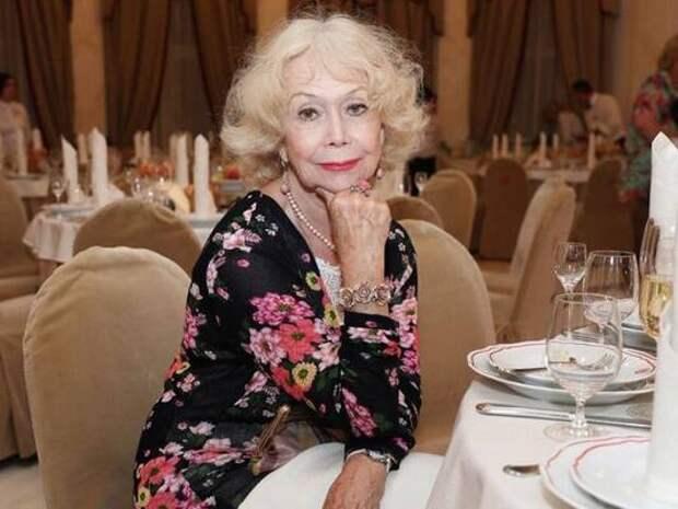 Сергей Собянин поздравил с днем рождения народную артистку РСФСР Светлану Немоляеву