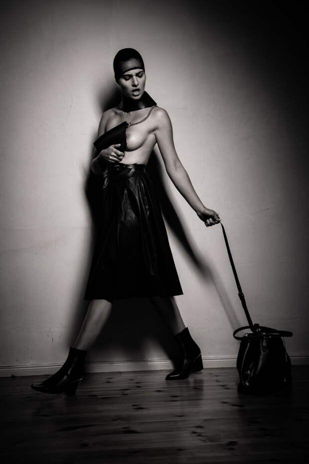 Эротическая фэшн-фотография от английского фотографа