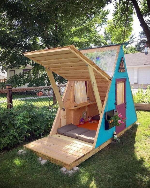 Дачные треугольные домики