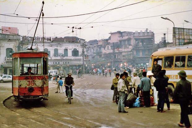1990 Hanoi.jpg