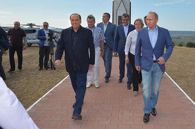 Путин в Крыму угостил Берлускони «массандрой» и показал дачу Сталина