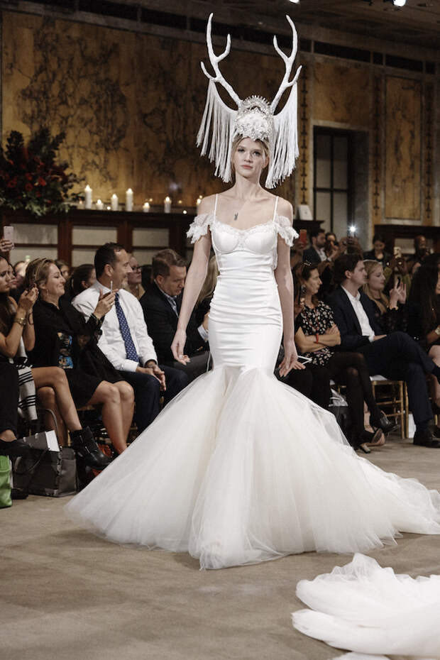 Не успела замуж выйти, а уже рога наставила мода, платья, прикол, свадьба