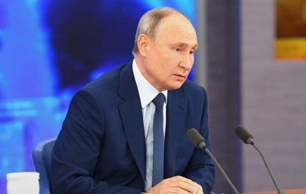 Путина все же убедили провести индексацию пенсий работающим пенсионерам