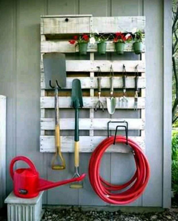 Органайзер для садовых инструментов. | Фото: Pinterest.