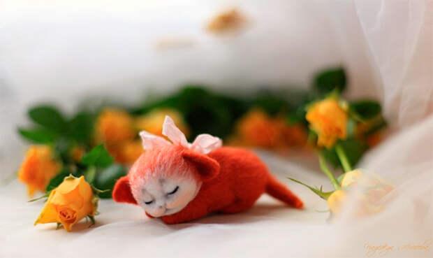воплощение нежности (игрушки Надежды Мичеевой)