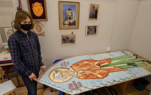 Лики в стекле: мозаика с Ксенией Петербургской и Иоанном Кронштадтским украсит Александро-Невскую лавру