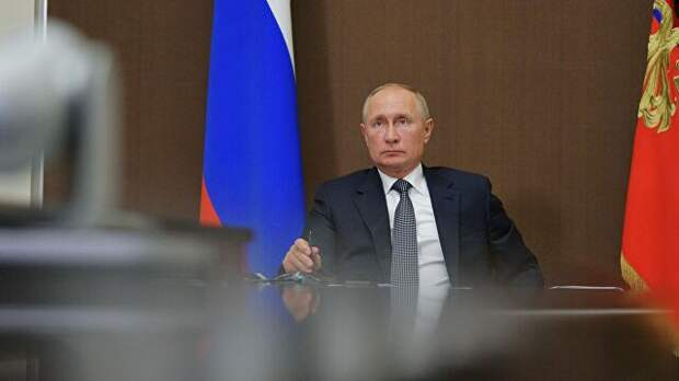 Путин заявил, что в октябре порядок доплат медикам надо сохранить