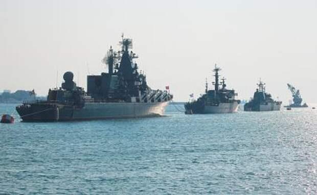 На фото: корабли Черноморского флота РФ