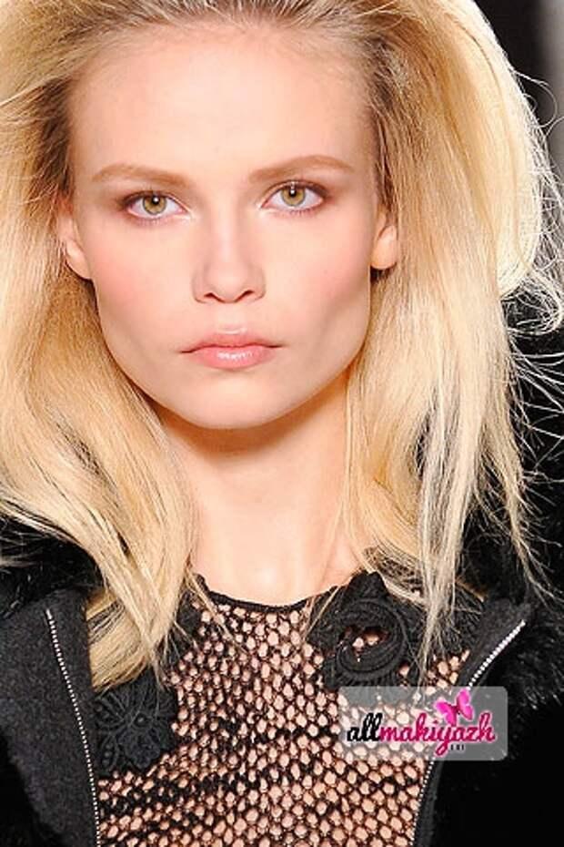 5 Дневной макияж для блондинок или как выглядеть хрупкой и нежной