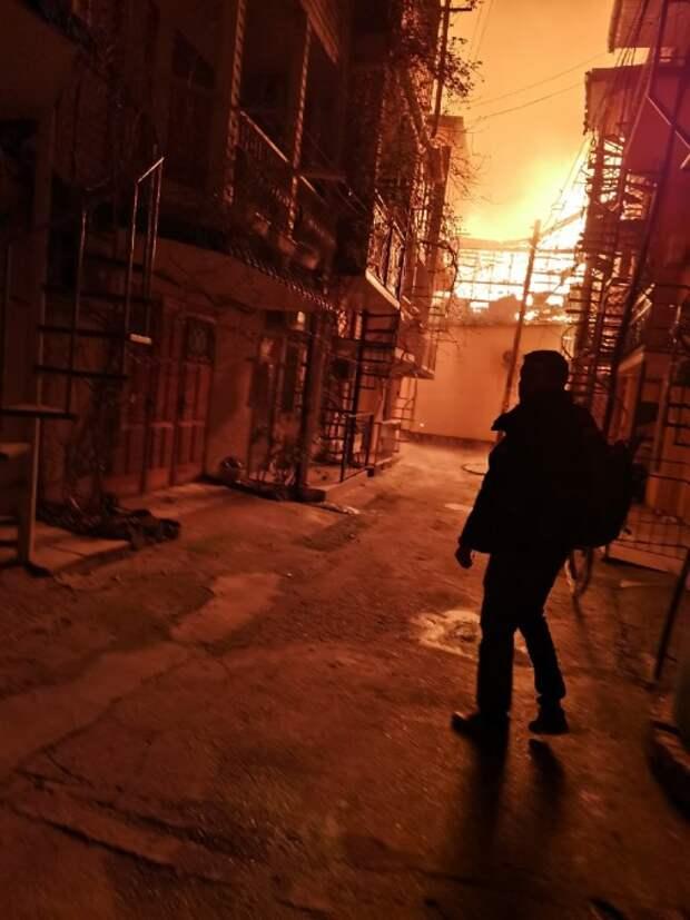 Сотня спасателей тушила масштабный пожар в Новом Свете