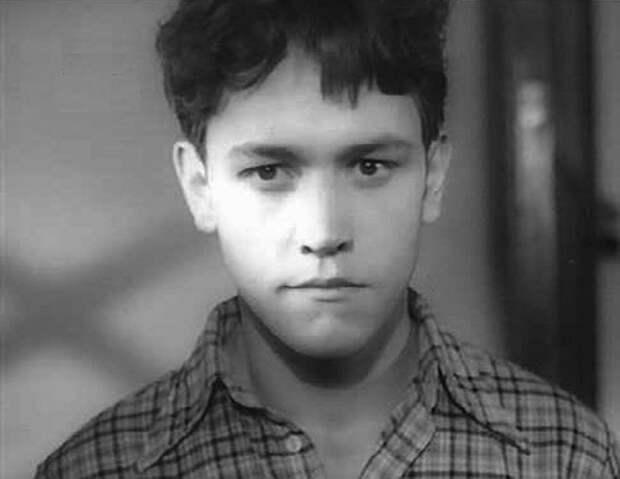 Бурная личная жизнь и печальное забвение одного из самых красивых и талантливых советских актеров 50-ых