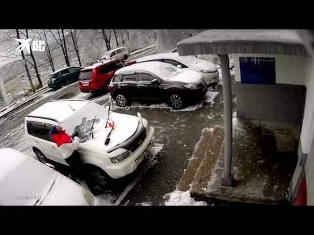 """Снежинка"" упала"