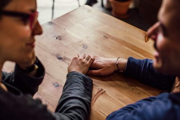Отношения без секса: возможно ли это в современном мире