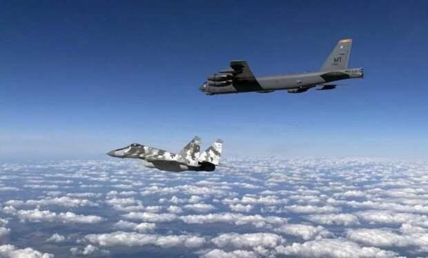 Российская ПВО не смогла перехватить три бомбардировщика США, угрожавших Крыму