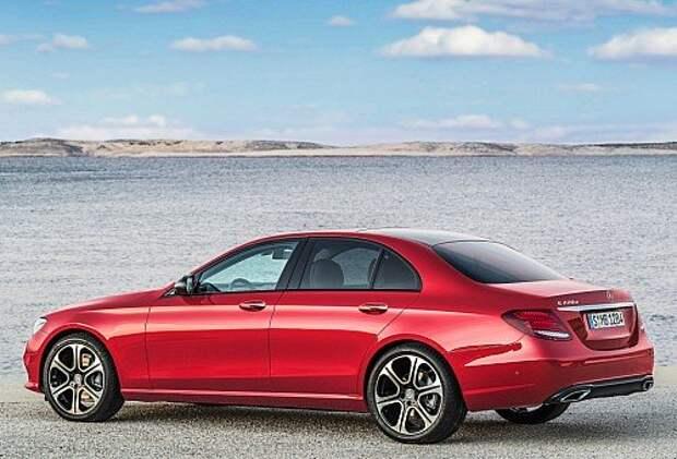 Mercedes-Benz E-класса променял индивидуальность на технологии