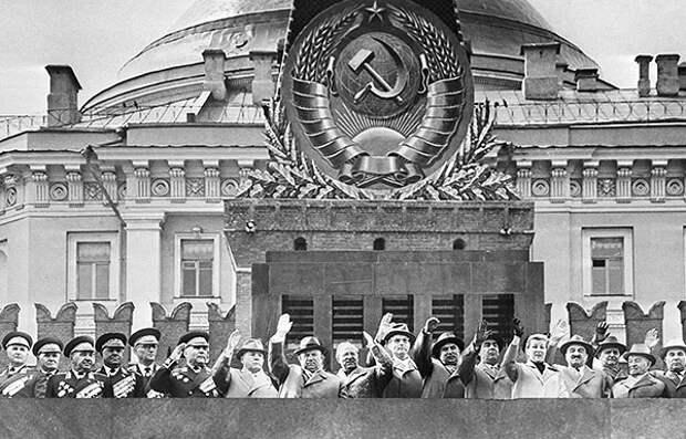 Советский Первомай: хроника за 66 лет