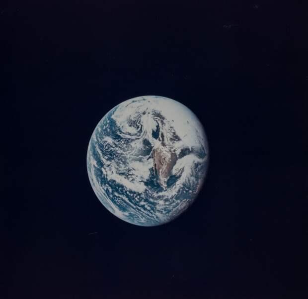 1969. май. Земля все дальше