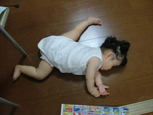 10 малышей уснули там где играли...