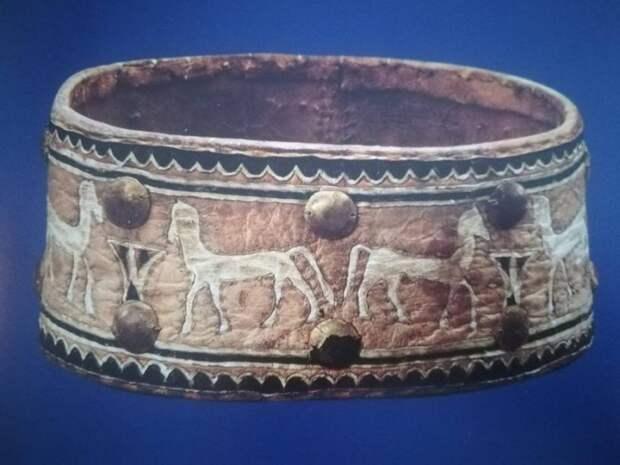 Древнеегипетский ошейник – настоящее произведение искусства. /Фото: lavocedigenova.it