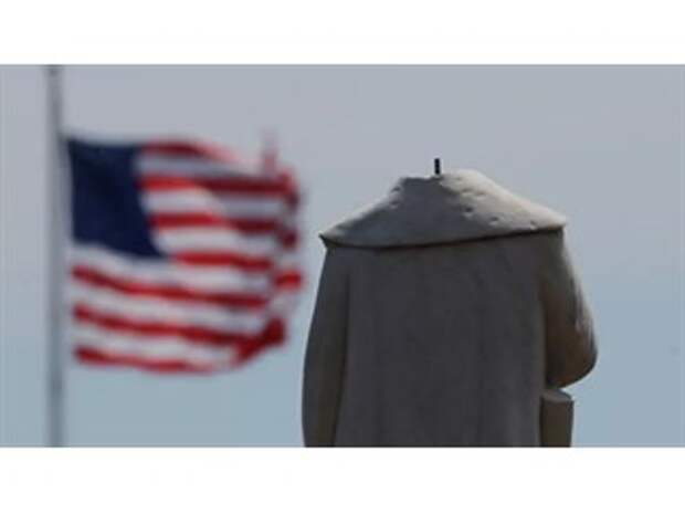 Америка уничтожает исторических врагов
