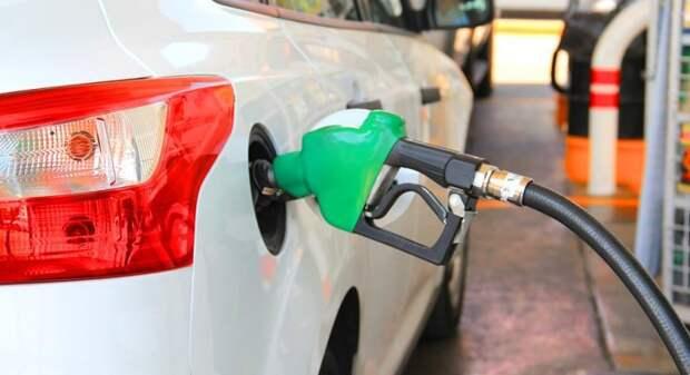 Россиянам рассказали, как выявить недолив бензина на АЗС
