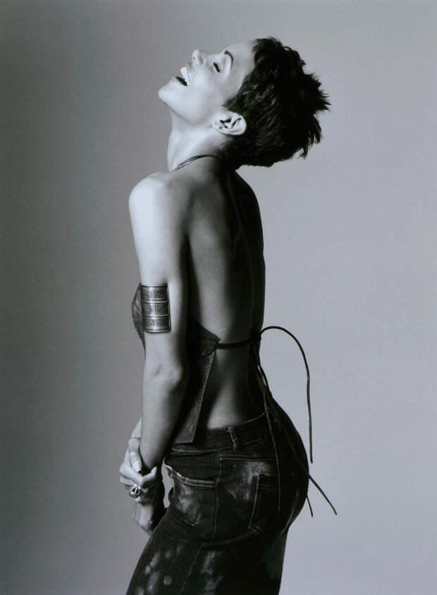 Холли Берри (Halle Berry) в фотосессии Антуана Вергла (Antoine Verglas) для журнала Maxim (июль 2000), фото 13