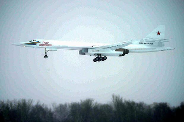 Поднятый в январе 2018 года Ту-160 усиленно презентовали как Ту-160М2, то есть даже более продвинутую машину, чем Ту-160М. На деле же это был самолет, ради доделки которого пришлось «раздевать» строевые ракетоносцы