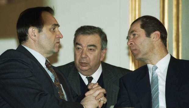 Почему Б.Ельцин уволил Е.Примакова с должности премьер-министра