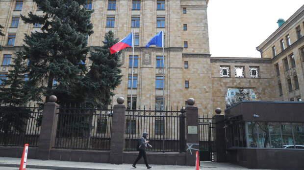 Названо число дипломатов, которые останутся в посольстве Чехии в России