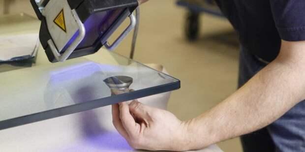 Полимеризирующий клей для стекла