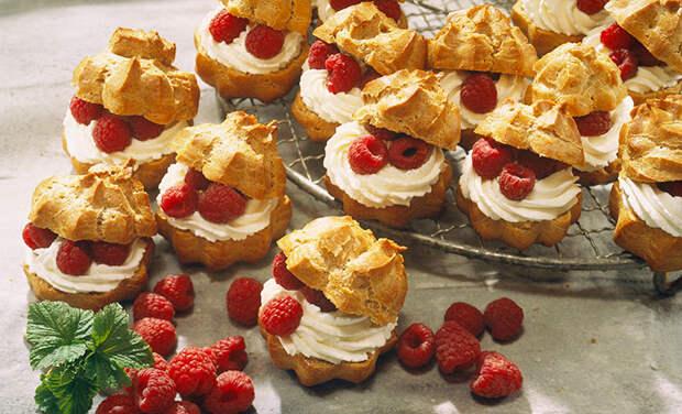 На десерт: профитроли