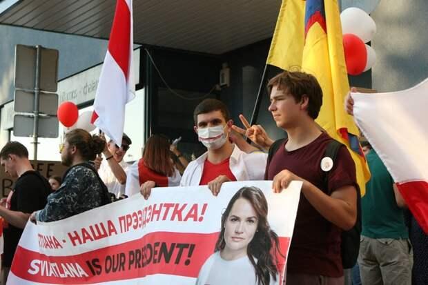 Кремль отказался дать совет Лукашенко в ситуации с протестами
