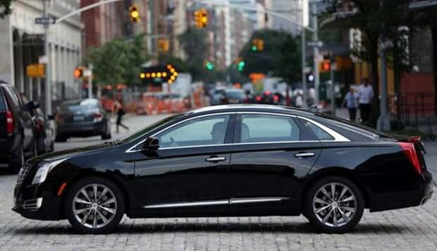 Cadillac XTS - статусный автомобиль.