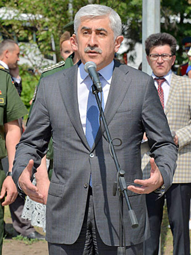 Михаил Погосян