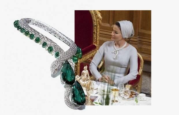Ужин в Гилдхолле, Лондон. На Мозе платье J.Mendel Couture и ожерелье Eternity, Cartier. 2010 г.