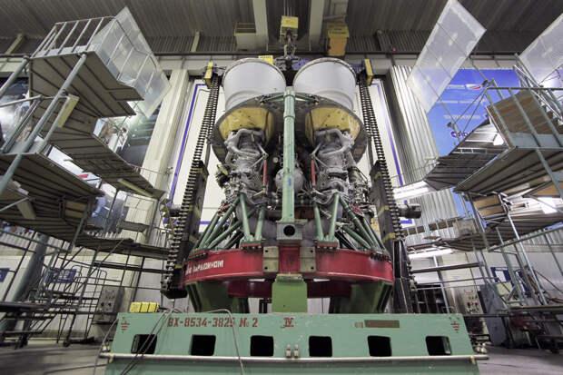 «Двигатели - одна из немногих ниточек, которые связывают нас с США»
