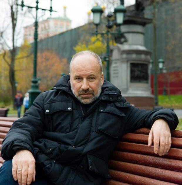 Якеменко: И театр и политику сокрушают сегодня с индустриальным размахом.