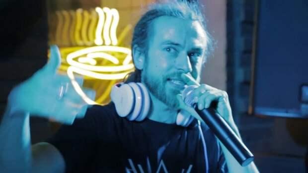 Появилось видео попытки реанимировать рэпера Децла