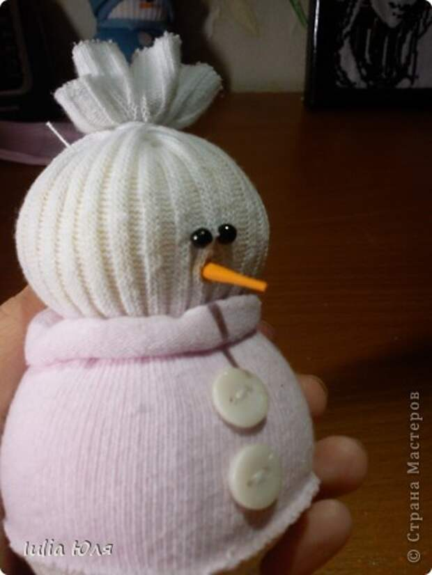 Игрушка Мастер-класс Новый год Рождество Шитьё Снеговики из носков Бусины Карандаш Нитки Носки фото 15