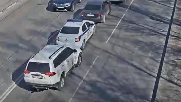 Момент ДТП с полицейским автомобилем в Рязани попал на видео