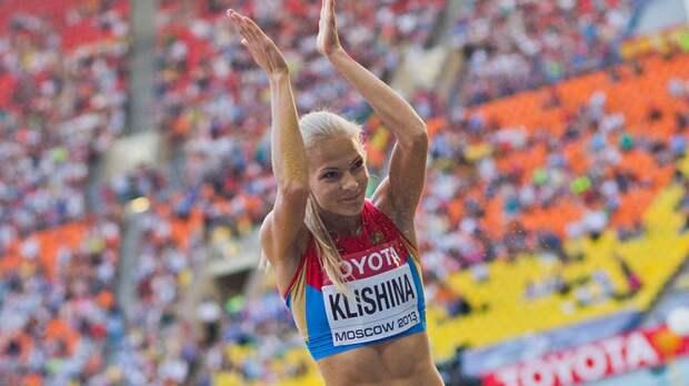 Легкоатлетка Клишина покинула олимпийский стадион на инвалидной коляске