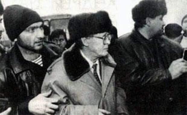 Россия стала чуть чище: иуда Ковалёв отправился к бандиту Дудаеву